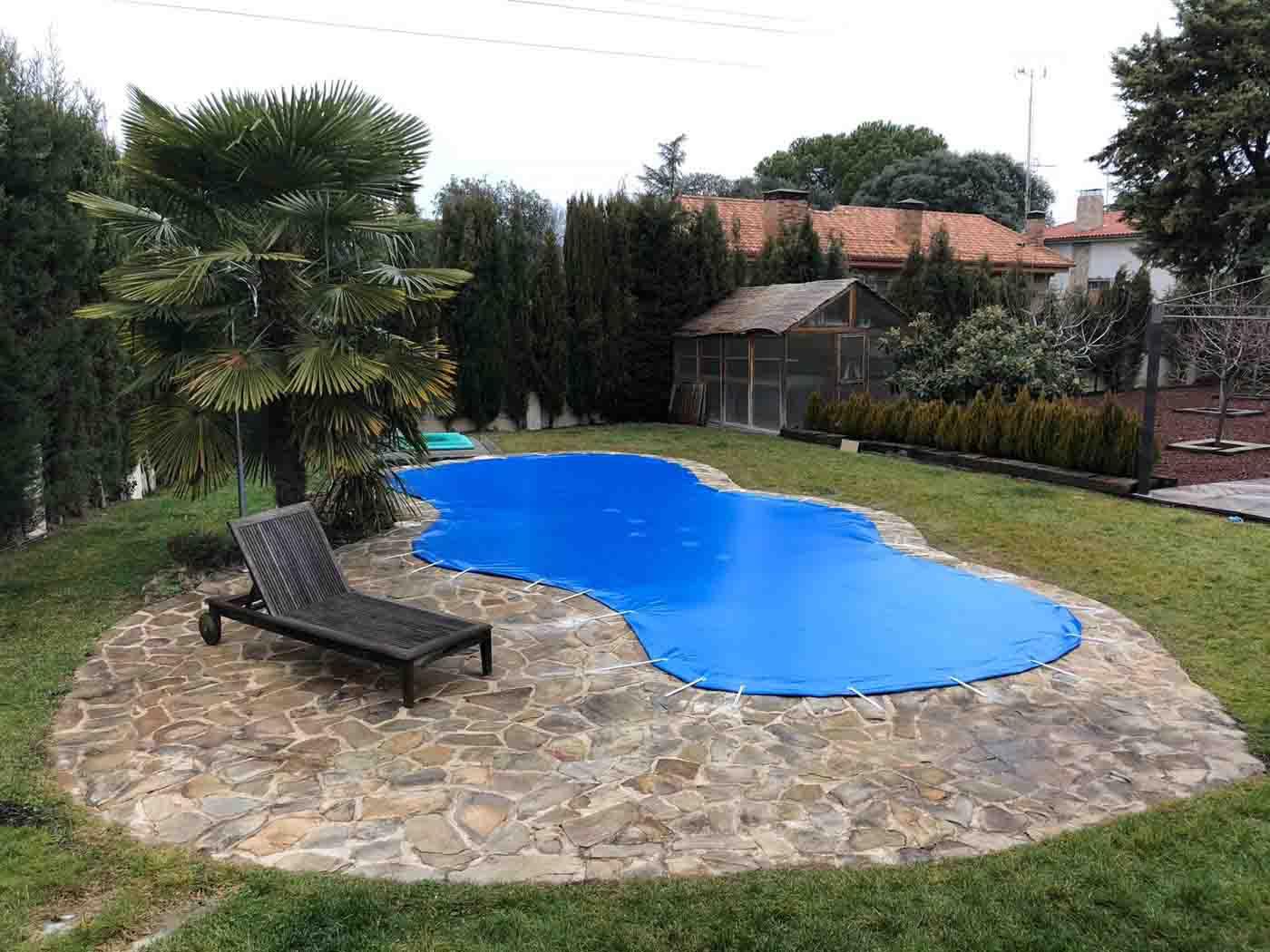 cobertores piscinas irregulares