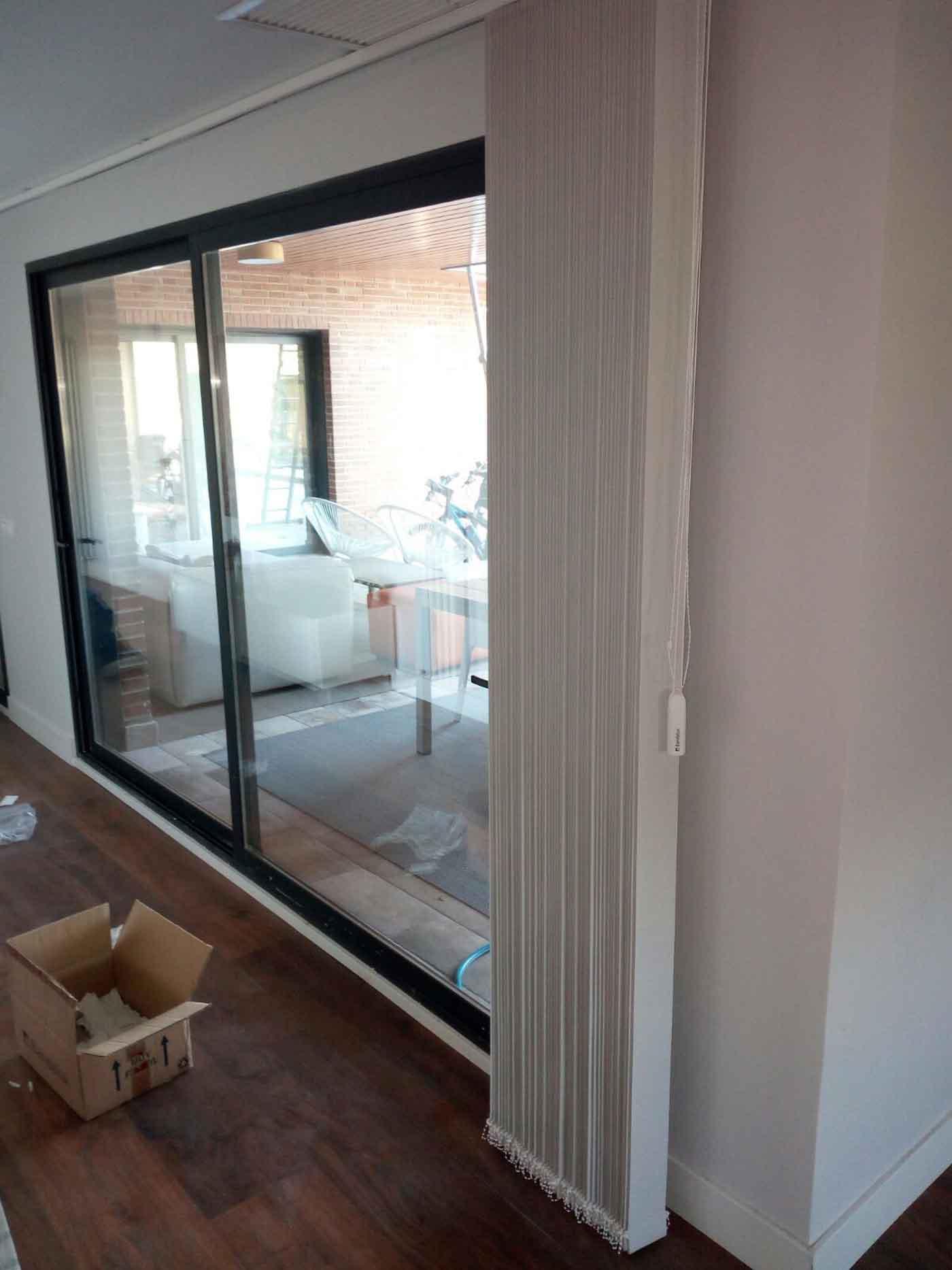 cortinas verticales combinadas