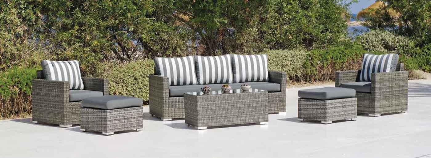 sillas y mesas de exterior