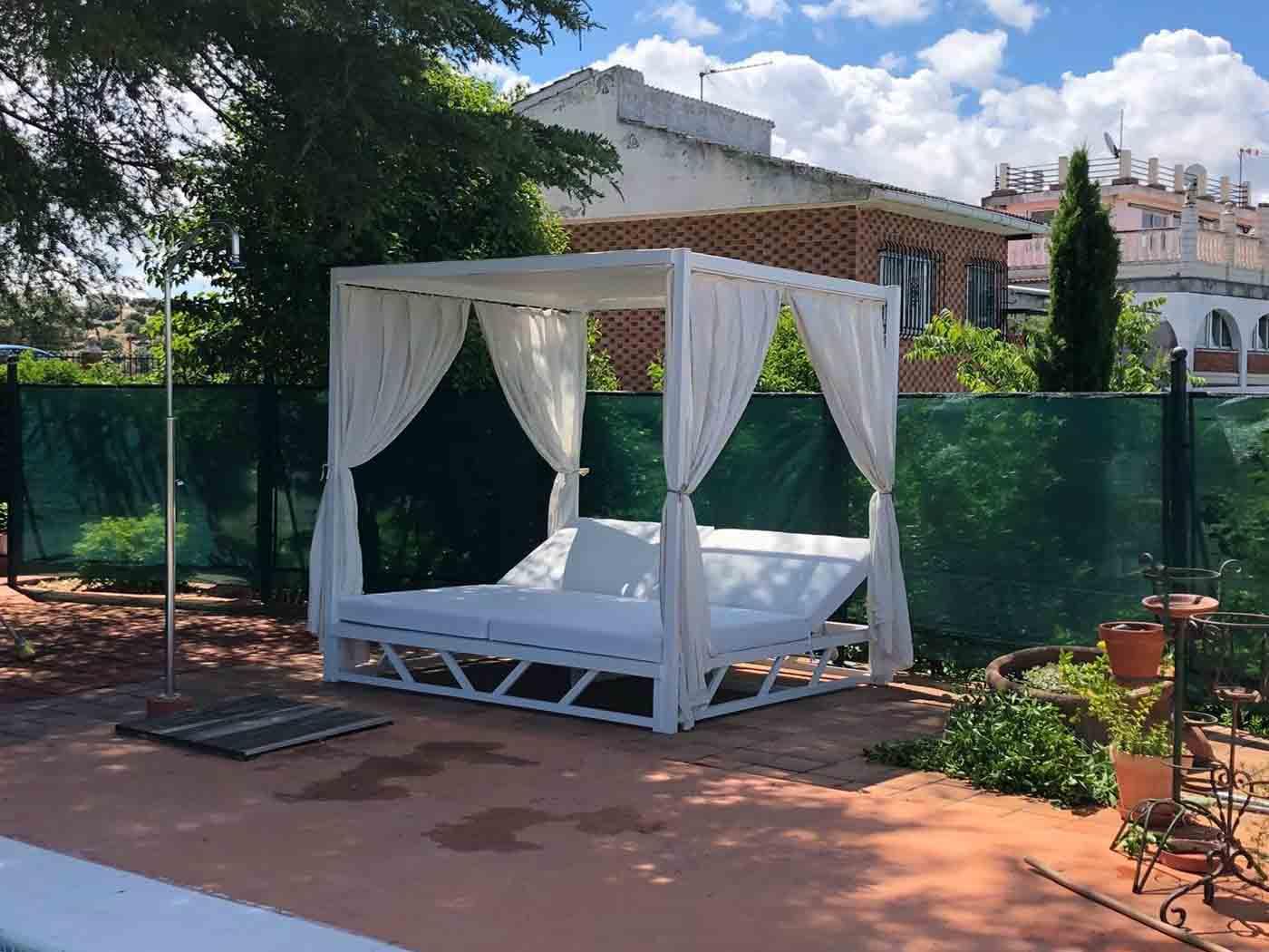 muebles jardin cama balinesa